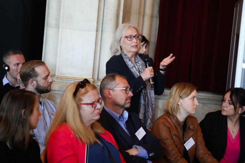 UNECE-Konferenz_-_oeffentl._Symposium_im_Rathaus__116_.jpg