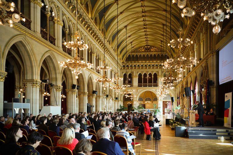 UNECE-Konferenz_-_oeffentl._Symposium_im_Rathaus__19_.jpg